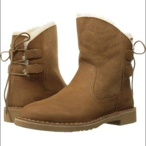 Naiyah UGG Boots Chestnut (lace up back w/ fur) 😍
